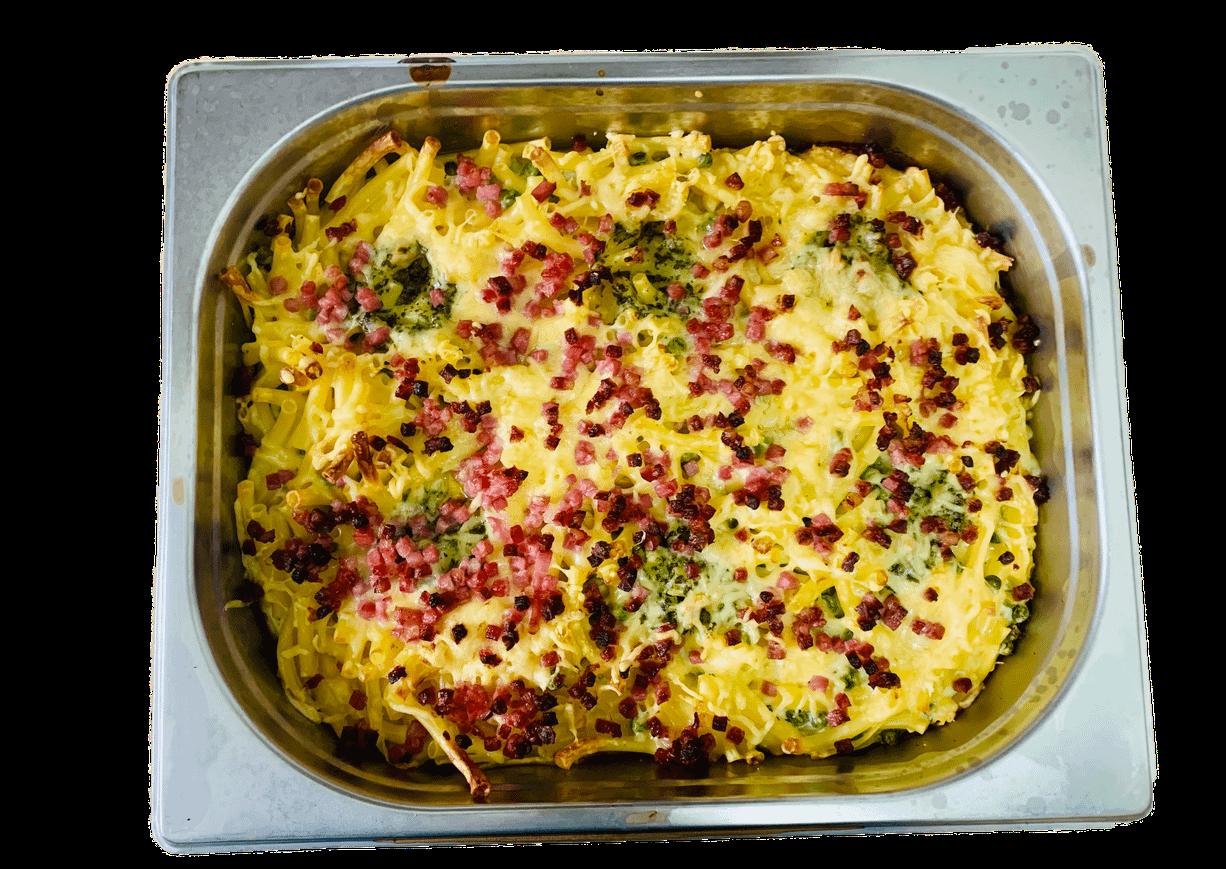 Pastaauflauf mit Schinkenwürfel und Käse