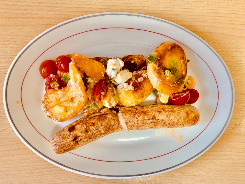 Kartoffelpfanne mit Grillwurst